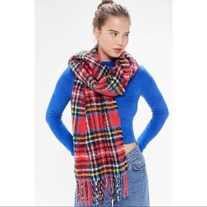 NWT UO Plaid Cozy Blanket Scarf